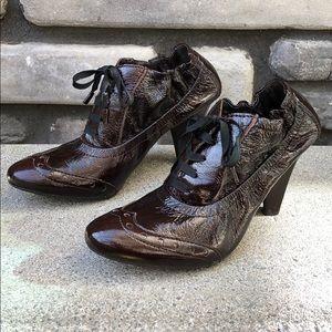 Apepazza Brown Patent Leather WingTip Booties sz10